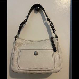 Coach Chelsea Small Hobo Style Pebbled Leather Shoulder Bag 8E99
